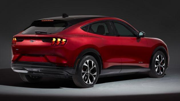 Ngoại hình xe có một số nét giống vơi xe cơ bắp Mustang