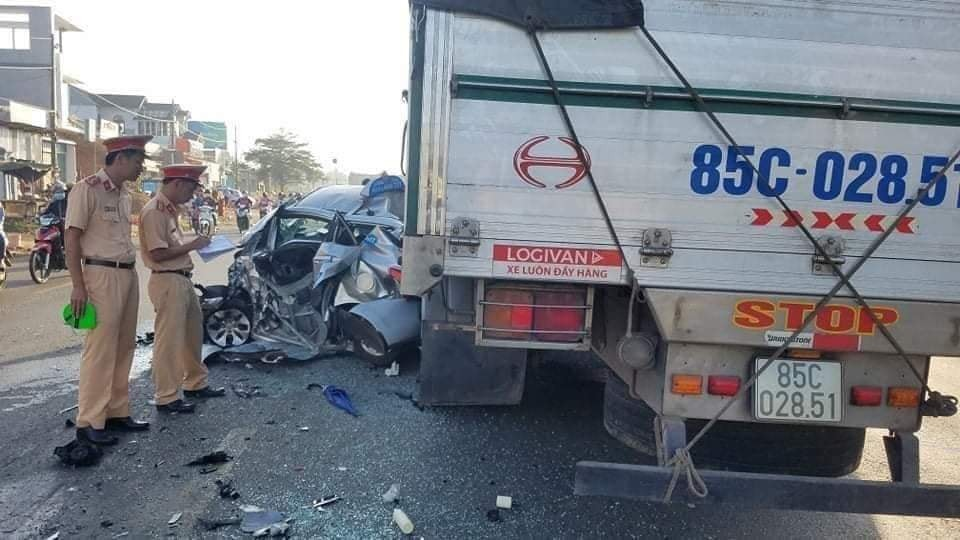 Hiện trường vụ tai nạn kinh hoàng xảy ra tại Dầu Giây, tỉnh Đồng Nai (Ảnh: Facebook)