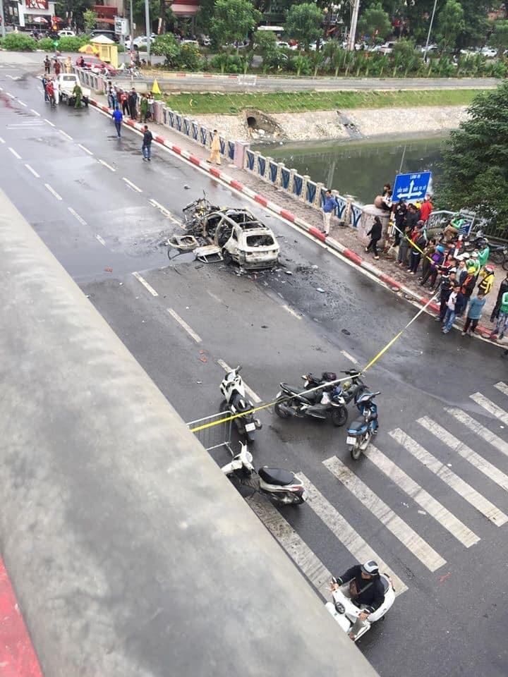 Lực lượng chức năng phong tỏa hiện trường vụ tai nạn