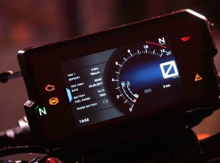 Màn hình màu TFT trên KTM 390 Duke 2019