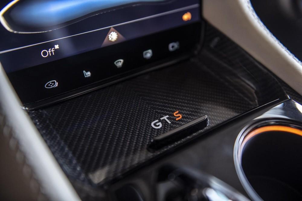 Dấu hiệu GTS còn được thấy ở cả nội thất bên trong