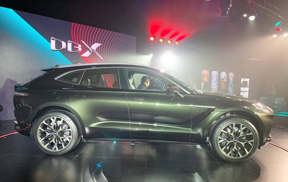 2020 Aston Martin DBX is big in size but not too heavy
