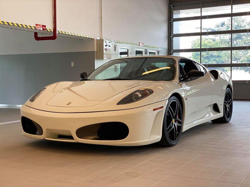 Ferrari F430 màu trắng từng của Trung Nguyên