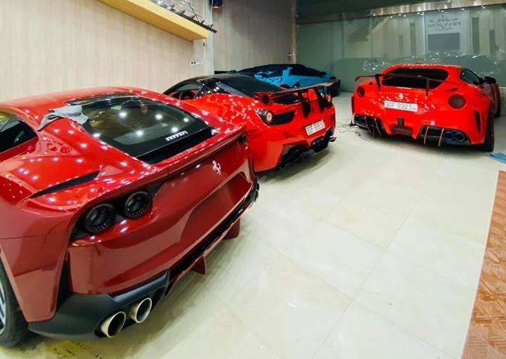 Xe mang màu sơn đỏ