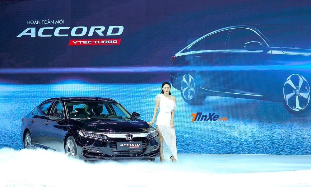 Honda Accord 2020 mới được ra mắt Việt Nam hồi cuối tháng 10 vừa qua với giá bán từ 1,319 tỷ đồng