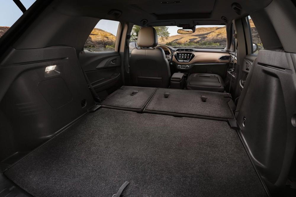 Nhỏ bé hơn xưa nhưng xe mới vẫn rất thực dụng với không gian chứa lớn