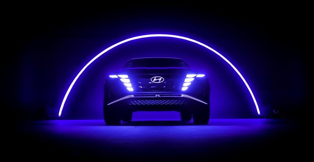 Hệ thống đèn phía trước cũng là một chi tiết rất đặc sắc