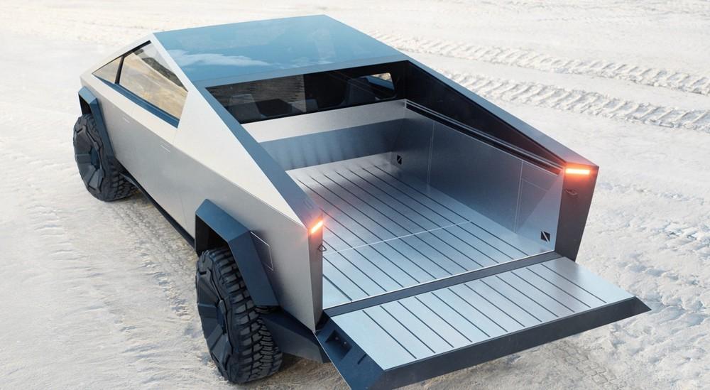 Phần thùng xe dài tới 2 mét và có tấm che kín để tăng cường khả năng bảo vệ