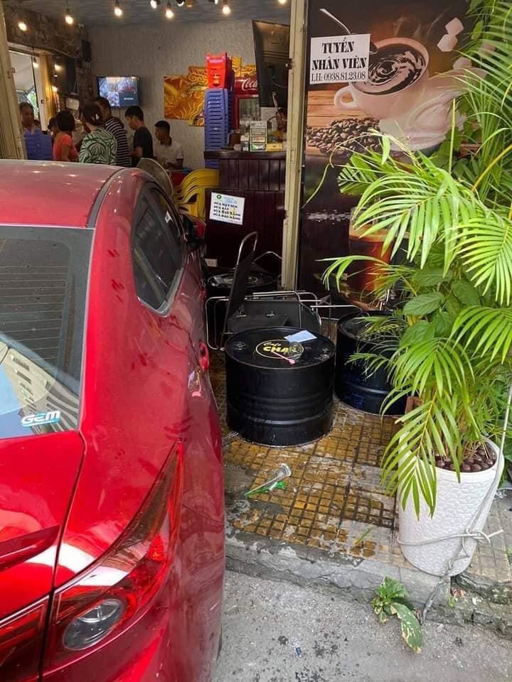 Vụ tai nạn khiến 1 nhân viên của quán café bị thương