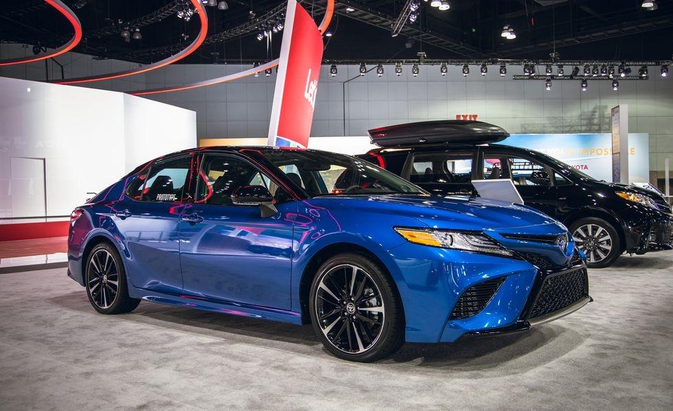 Toyota Camry AWD 2020 hiện đang được trưng bày trong triển lãm Ô tô Los Angeles 2019