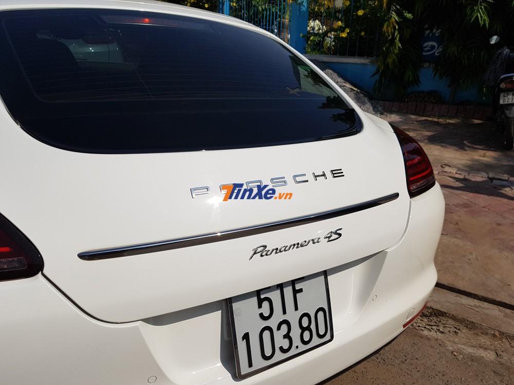 Giá xe Porsche Panamera 4S đời cũ lúc mới giới thiệu tại Việt Nam là 6,328 tỷ đồng