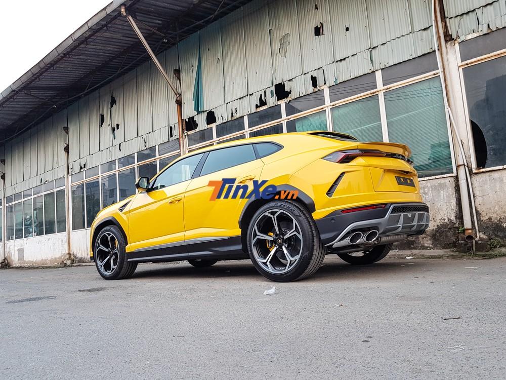 siêu SUV Lamborghini Urus còn có đến 6 chế độ lái khác nhau được điều khiển thông qua núm mang tên gọi Anima