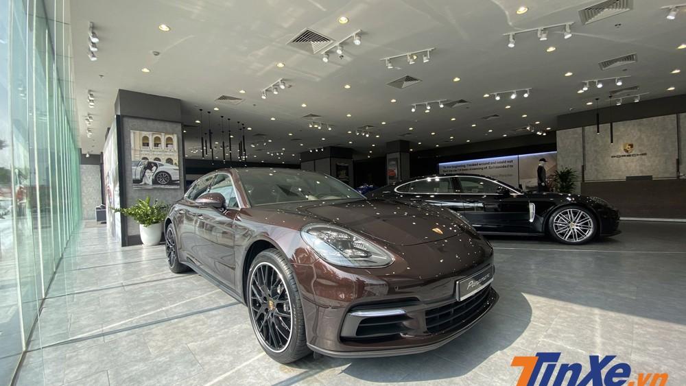 Porsche Panamera 4 Sport Turismo chính thức được bán ra tại Việt Nam.