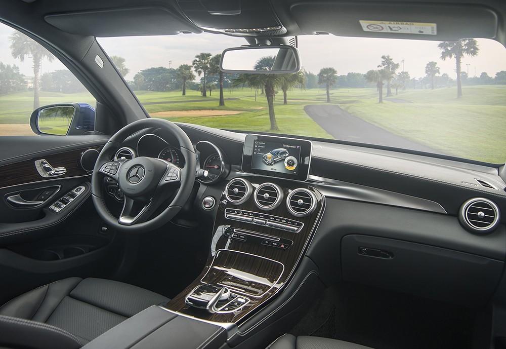 Trang bị hệ thống lái của Mercedes GLC 200