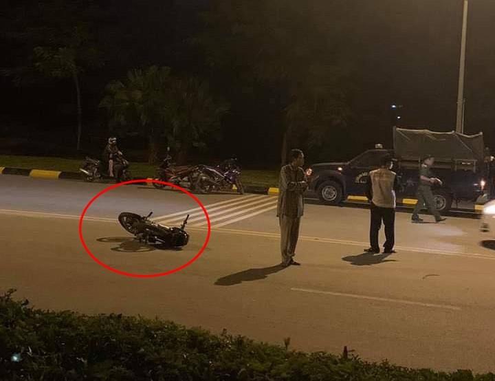 Chiếc xe máy nằm cách nạn nhân khoảng 10 m