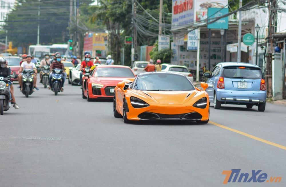 Siêu xe McLaren 720S màu cam của Cường Đô-la