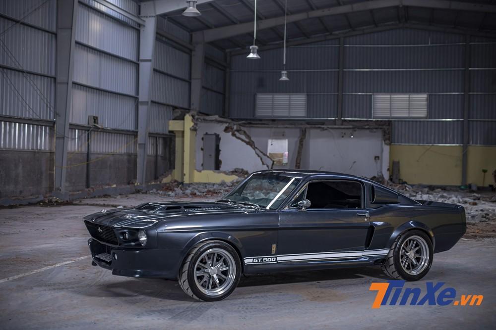 Động cơ của chiếc xe có khả năng sản sinh công suất tới 500 mã lực - đúng như cái tên GT500.