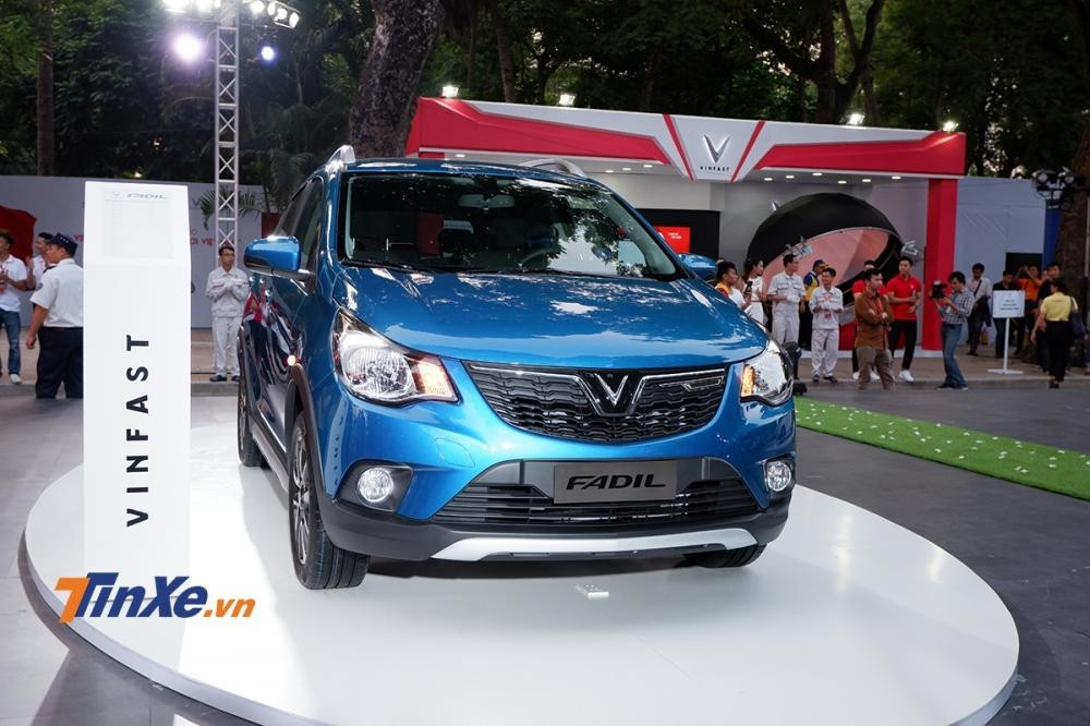 """Trong khi giá """"3 Không"""" thực tế của dòng xe Lux giảm mạnh tới cả trăm triệu đồng, VinFast Fadil lại tăng nhẹ 36 triệu đồng"""