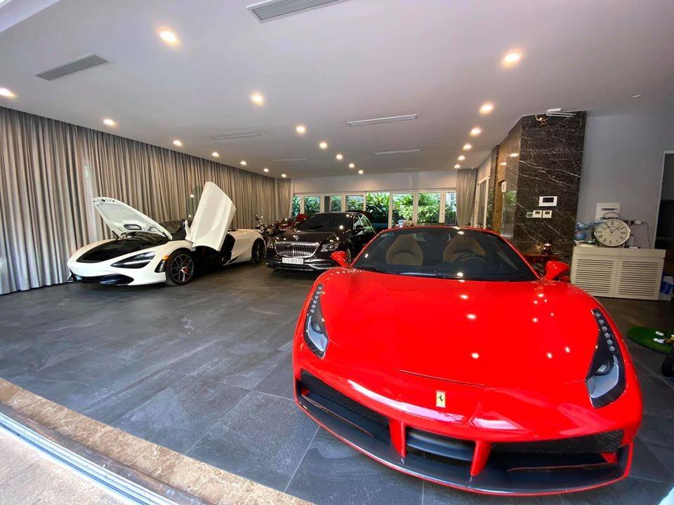 McLaren 720S Spider đầu tiên về Việt Nam và Ferrari 488 Spider đang nằm trong garage của trưởng đoàn Car Passion