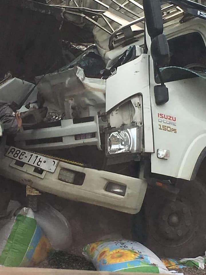 Vụ tai nạn khiến 5 người thương vong