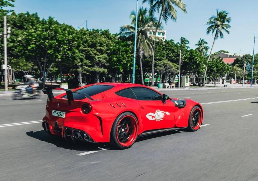 Ferrari F12 Berlinetta độ body kit Duke Dynamics lúc còn mang biển Sài thành và thuộc sở hữu của doanh nhân Vũng Tàu