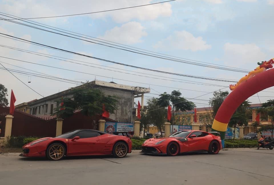 Siêu xe Ferrari 458 Italia độ Liberty Walk xếp hàng đầu tiên