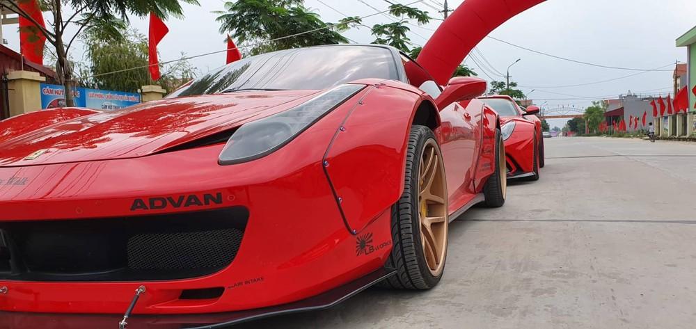 Siêu xe Ferrari 458 Italia độ Liberty Walk có màu vàng nhưng khi được công ty nhập khẩu tư nhân Hà Nội mua về đã sơn lại thành màu đỏ