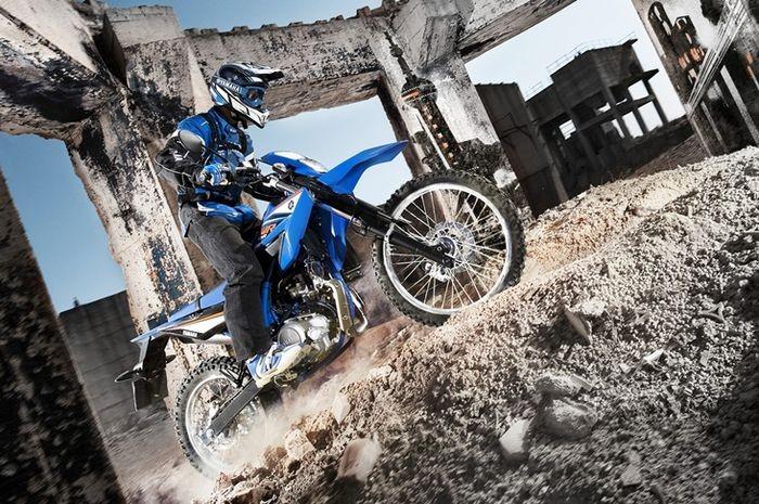 Yamaha WR155R được trang bị khối động cơ 155 phân khối mạnh mẽ
