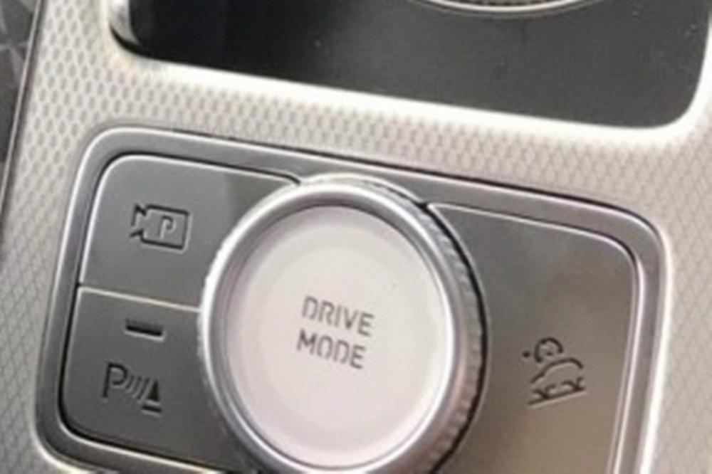 Núm xoay chọn chế độ lái