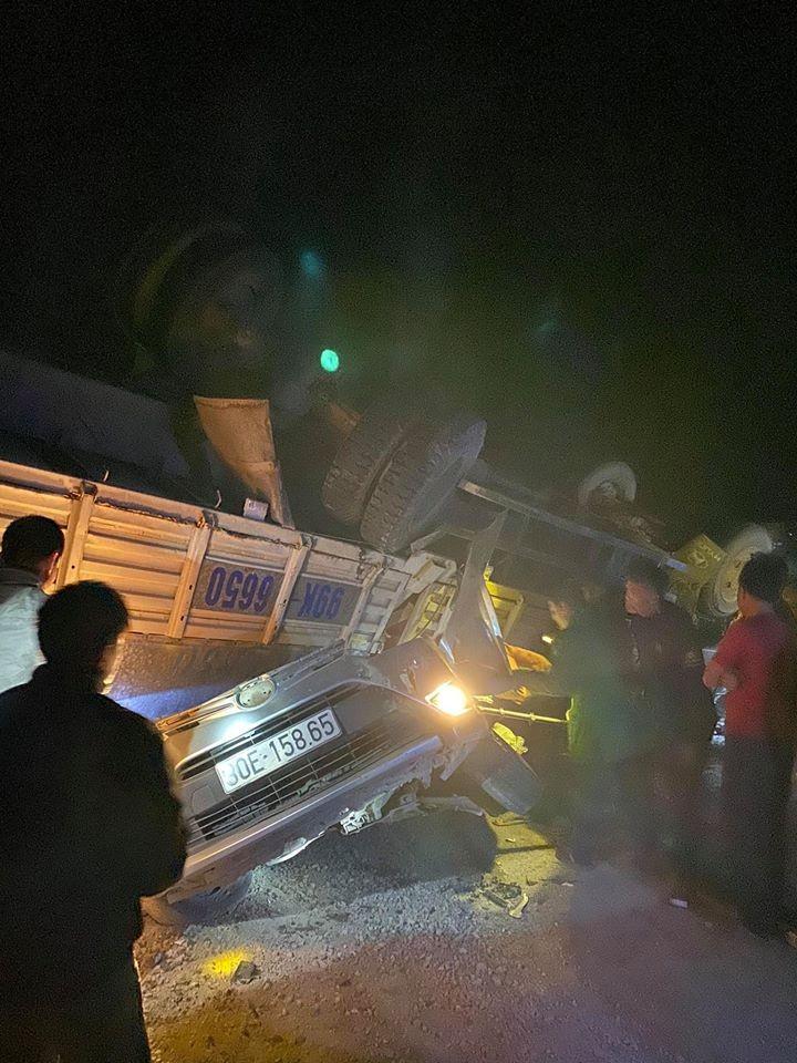 Hiện trường vụ tai nạn trên đèo Cón