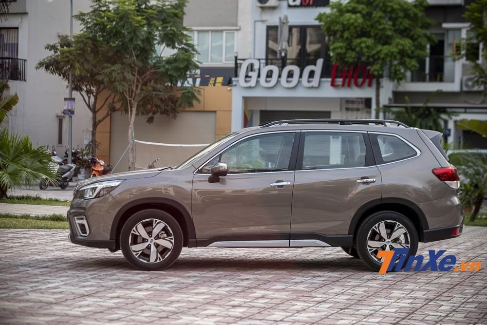 """Không còn mức giá cách biệt như đêm với ngày thủa nhập Nhật, Subaru Forester 2019 giờ đã """"bằng bạn bằng bè"""""""