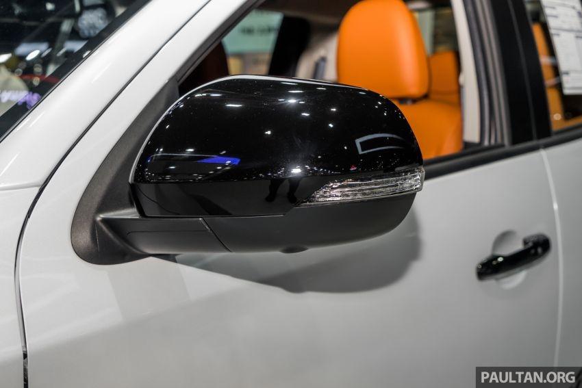 Những chi tiết màu đen khác của Mitsubishi Triton Athlete 2019