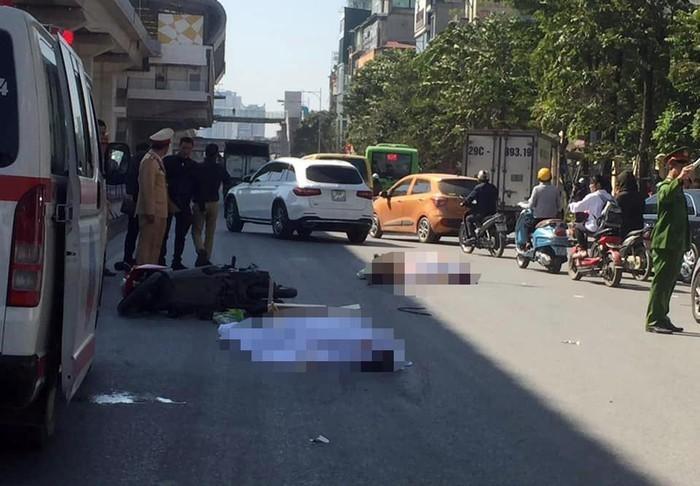 Hiện trường vụ tai nạn khiến 2 người tử vong trên đường đi Hà Đông, Hà Nội