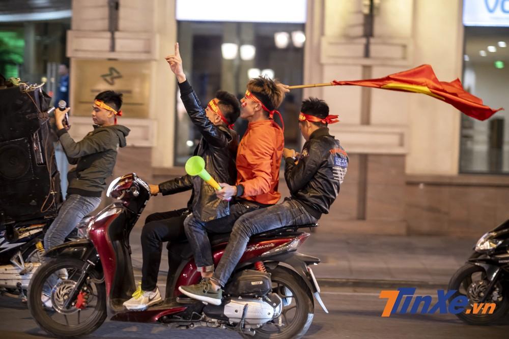 Hiện tượng vi phạm luật giao thông là rất dễ bắt gặp trong những ngày như vậy.