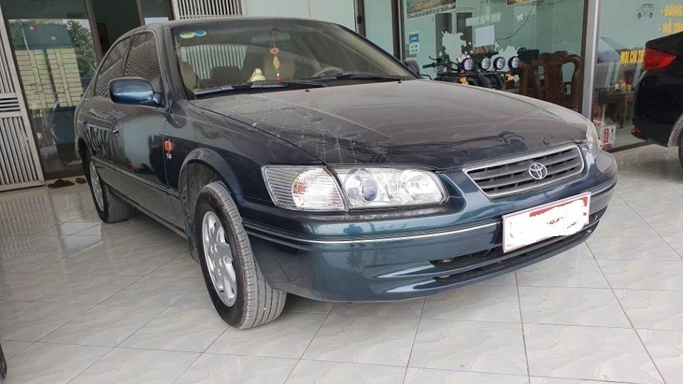 Một chiếc Toyota Camry 2001 vừa được Đảng ủy khối Cơ quan và Doanh nghiệp tỉnh Thừa Thiên Huế rao bán lại với giá từ 186 triệu đồng (Ảnh minh họa)