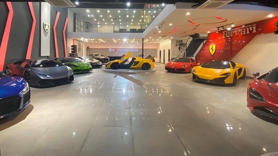 Bước vào trong showroom siêu xe sắp khai trương ở quận 7, Tp.HCM chỉ thấy toàn siêu xe và xe siêu sang