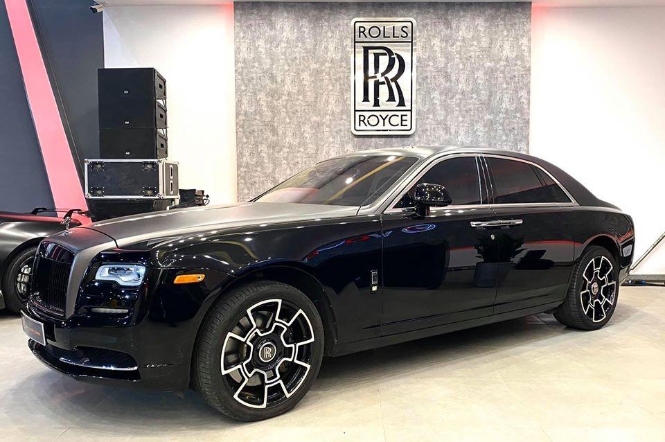 Khu vực Rolls-Royce có sự xuất hiện của một chiếc Ghost