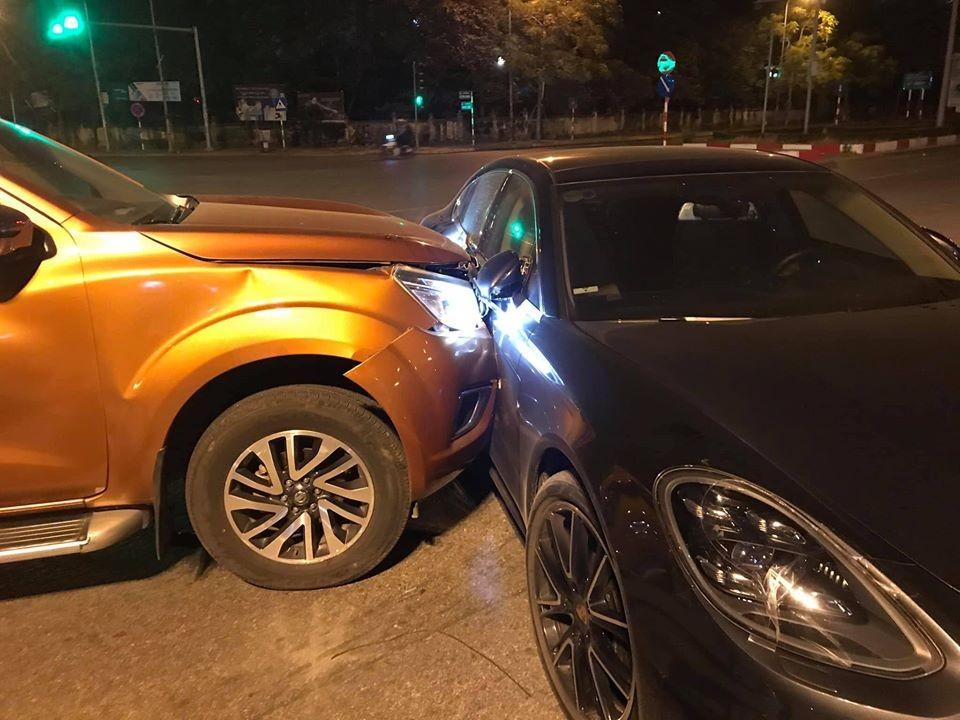 Cả hai xe đều bị thiệt hại khá nghiêm trọng