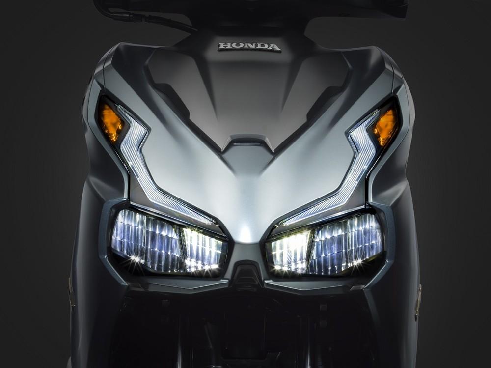 Thiết kế đầu xe mới với đèn pha, đèn định vị và xinhan LED