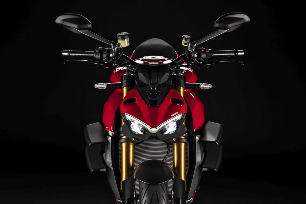 Ducati Streetfighter V2 will look quite similar to the elder Streetfighter V4