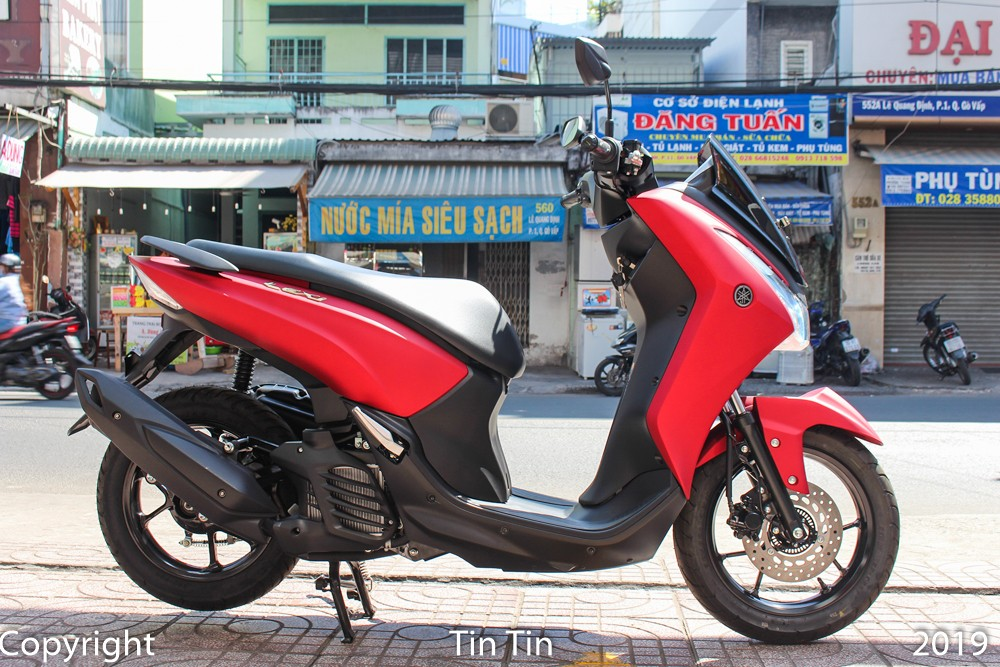 The Yamaha Lexi 125 returned to Vietnam this time by a private store to bring home. This unit also widely announced the price of the car at 45 million.