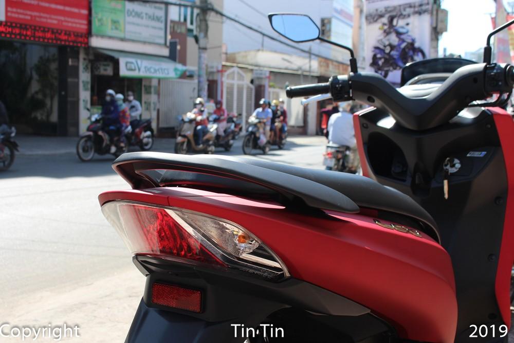 Taillights of Yamaha Lexi 125 simple design