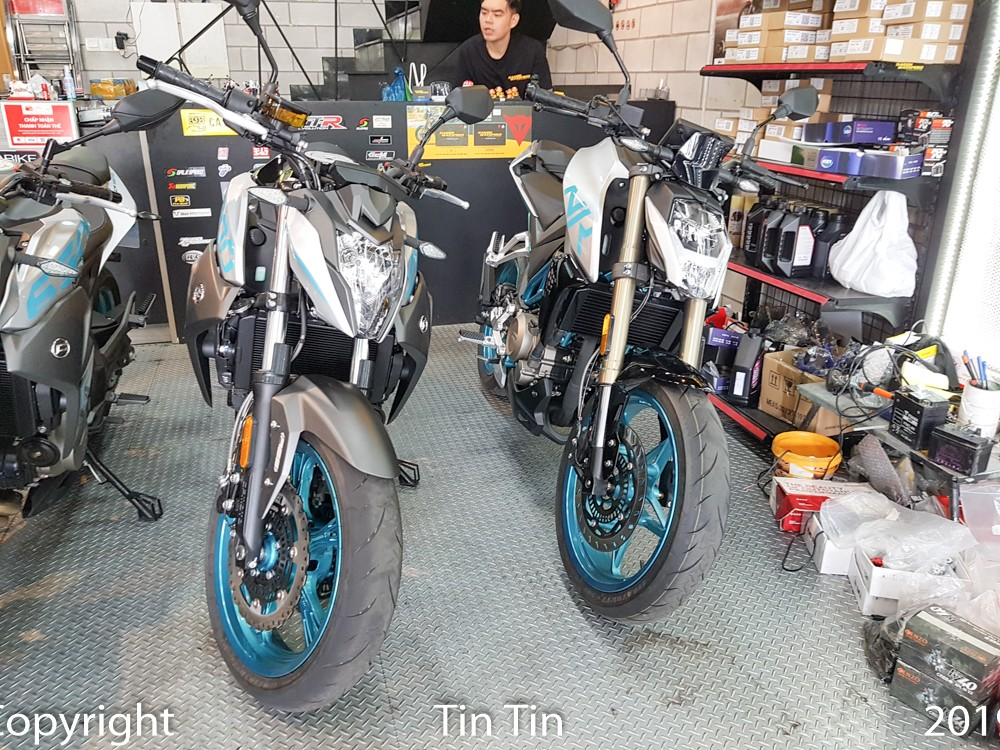 Couple naked bike CFMoto 250NK and CFMoto 400NK are priced at VND 115 million and VND 135 million respectively.