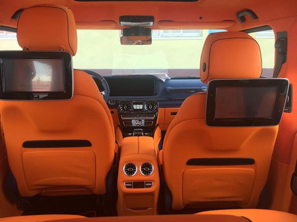Nội thất xe bọc da màu cam đúng chất hãng Hermes