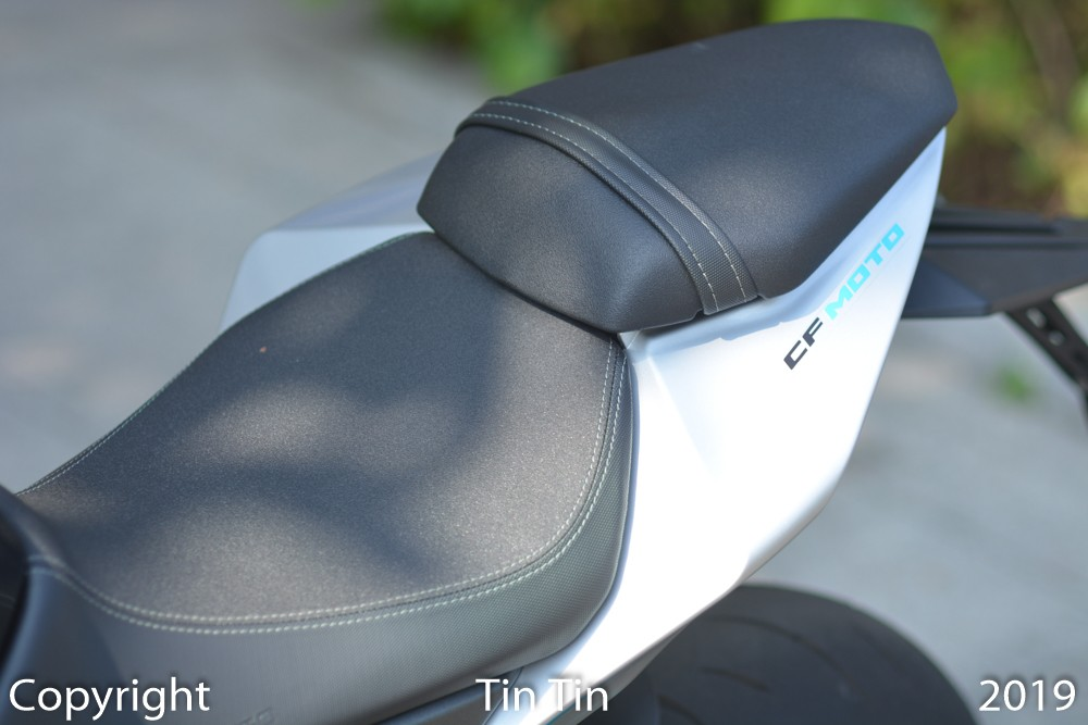 Seat height from the ground is 785 mm. Seat height for passengers is 815 mm.