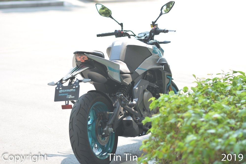 CFMoto 650NK has basic dimensions such as length of 2,120 mm, width of 780 mm and height of 1,100 mm.