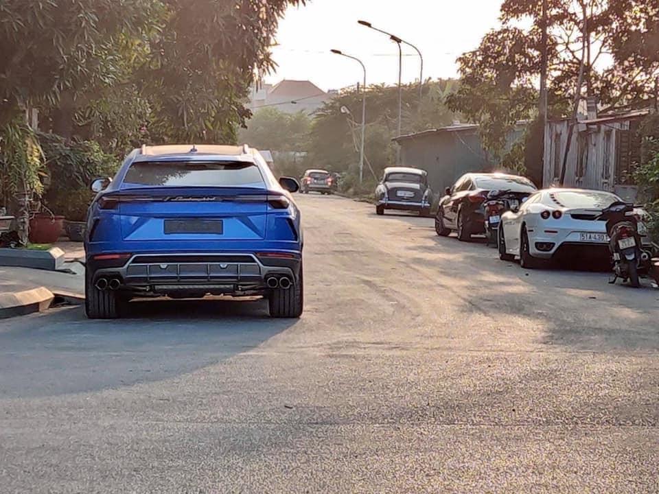 Siêu SUV Lamborghini Urus cùng Ferrari F430 tại Hải Phòng