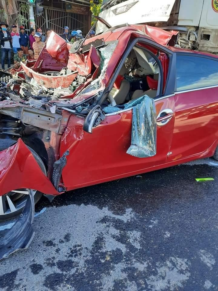 Vụ tai nạn khiến 2 người bị thương nặng