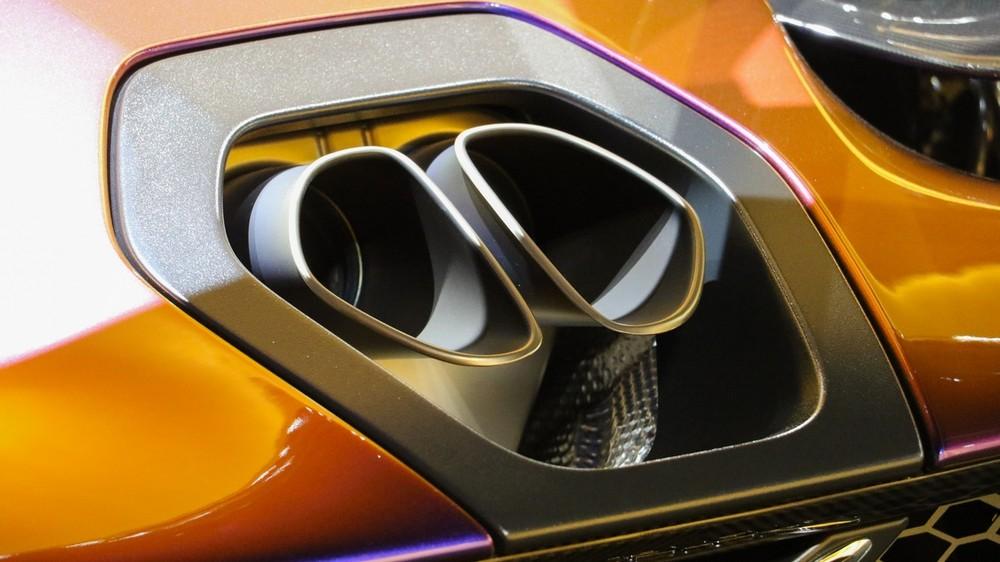 Tất nhiên, khối động cơ này đã được tinh chỉnh lại nhằm giúp siêu phẩm hàng hiếm McLaren Senna có công suất tối đa lên đến 789 mã lực và mô-men xoắn cực đại 800 Nm.