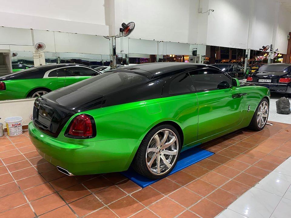 Chiếc xe siêu sang Rolls-Royce Wraith còn có bộ vành độ của Forgiato